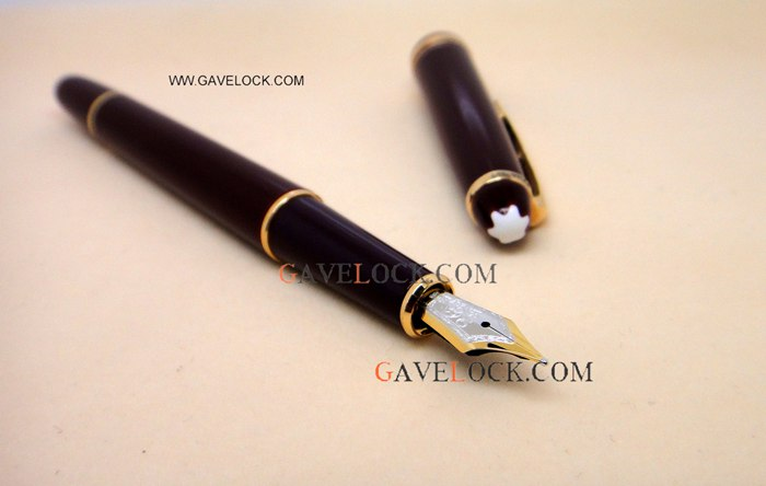 AAA Montblanc Meisterstuck Classique Black & Gold Fountain Pen New Model